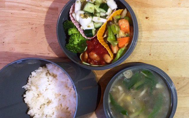 【番外】余り野菜のチーズ焼き、しめじ、コーン、葉野菜のバター風味スープほか